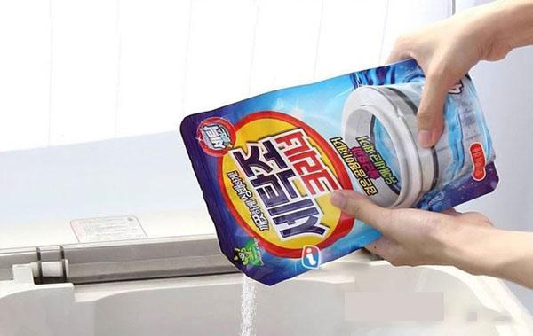 Thực hư về gói bột tẩy vệ sinh lồng giặt đang được ưa chuộng hiện nay