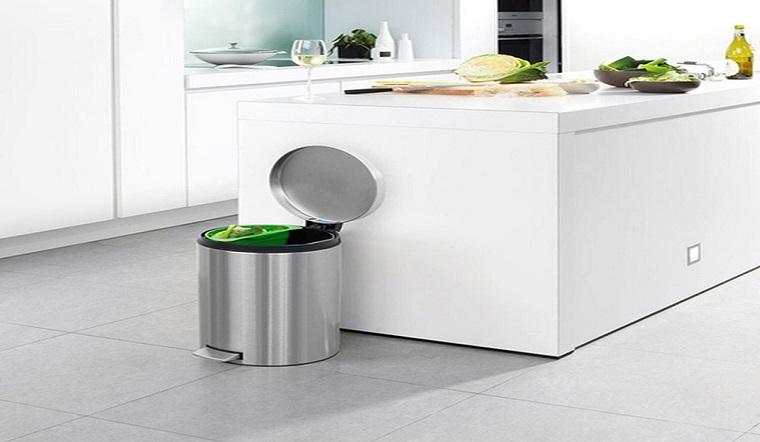Thùng rác nhà bạn sẽ hết sạch mùi hôi với các mẹo đơn giản này