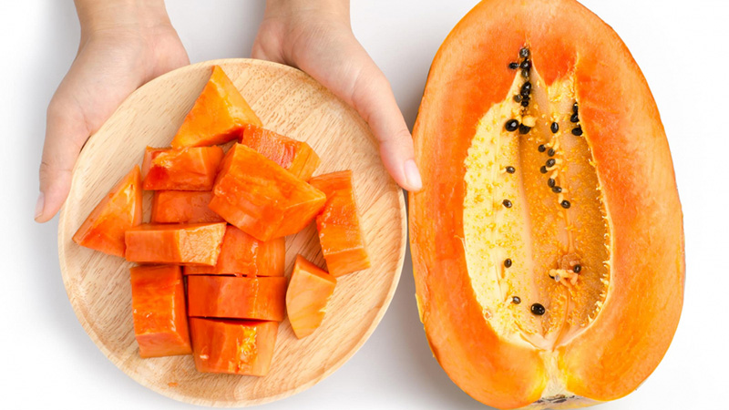 Nửa quả đu đủ có kích thước nhỏ chỉ chứa trung bình 6g đường.