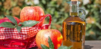 Giấm táo trị ngứa da đầu, bạn đã thử chưa?