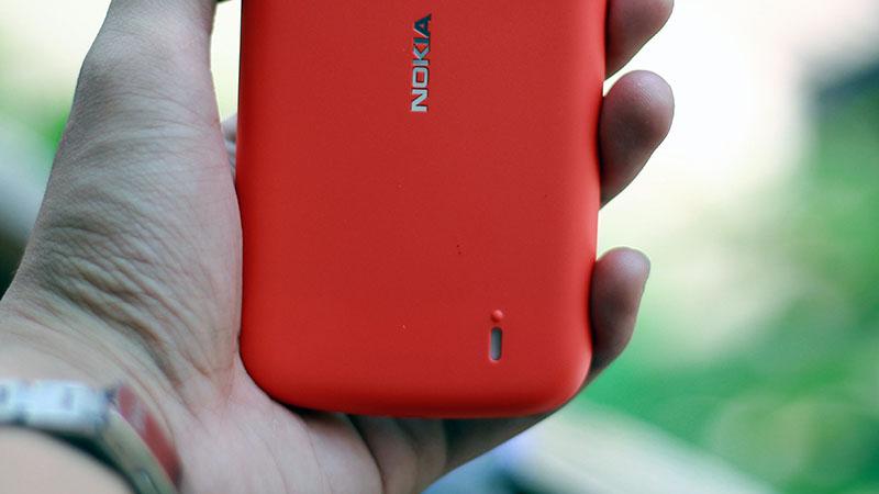 Mở hộp Nokia 1