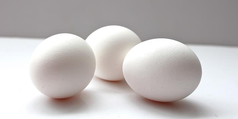 Trung bình 1 quả trứng vịt chứa 130 calo, hàm lượng gấp đôi trứng gà