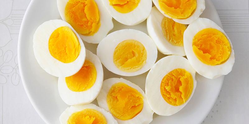 Luôn chế biến trứng thật chín khi ăn
