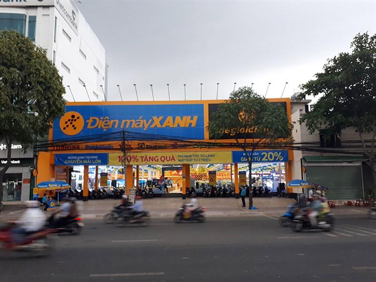 Siêu thị điện máy xanh tại 102 -104 -106 Trường Chinh,P. Tân Hưng Thuận , Q. 12, TP.HCM