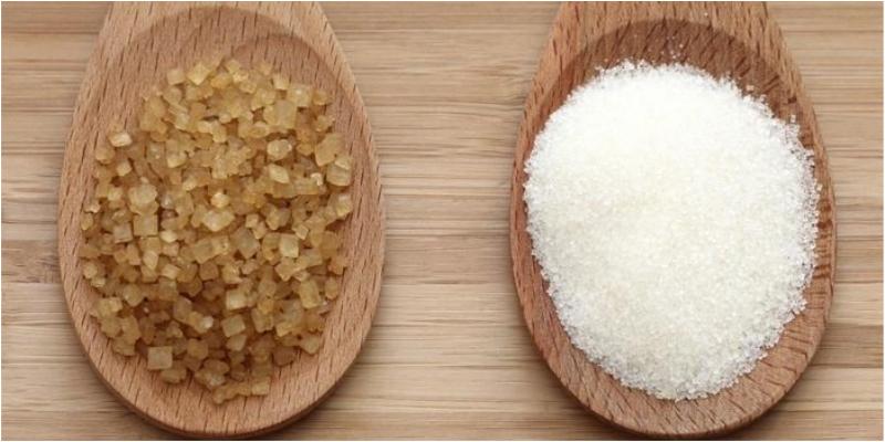 Nên sử dụng đường cát trắng mịn khi làm bánh