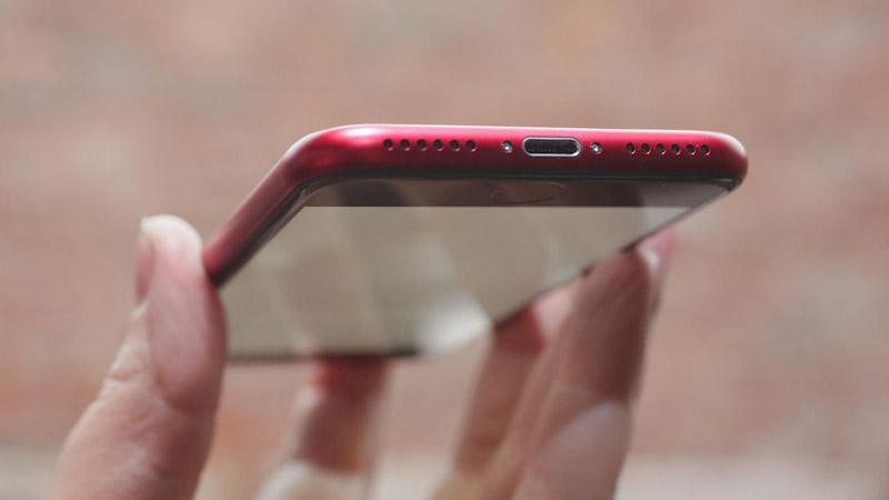 Trên tay, đánh giá nhanh iPhone 8 & iPhone 8 Plus RED