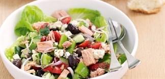 Mách bạn 3 món salad tiện lợi từ đồ hộp