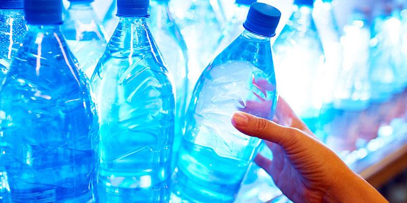 Chai nhựa được tái sử dụng có thể gây nguy hiểm