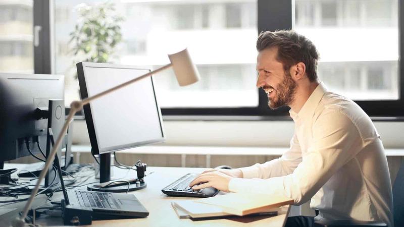 Xoa bóp bấm huyệt trị đau đầu