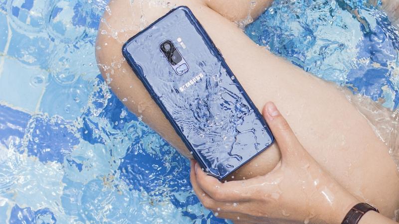 Galaxy S9+ xanh san hô