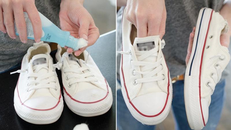 Dùng nước tẩy móng làm sạch giày
