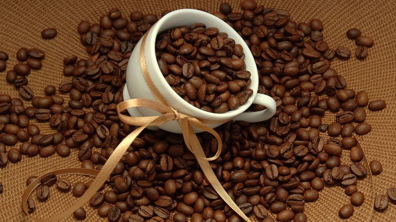 Cafe Arabica có mùi thơm, hạt dài và to