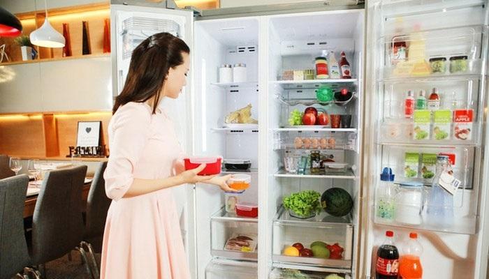 Chỉ cần một tờ tiền giấy bạn sẽ biết tủ lạnh nhà mình có hao phí điện