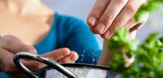 4 mẹo hữu ích giúp giảm lượng muối đưa vào cơ thể hàng ngày