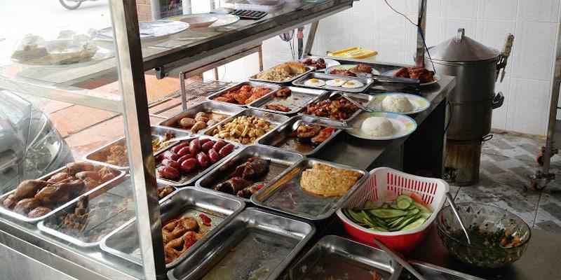 Các món ăn ngoài hàng quán được nêm rất nhiều gia vị