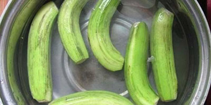 Thực tế cho thấy, chuối xanh có vị chát, giúp giảm cân, giảm táo bón, giảm cảm giác thèm ăn và nhiều công dụng khác