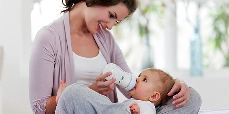 từ 6 tháng tuổi, hãy cho bé sử dụng sữa non công nghiệp
