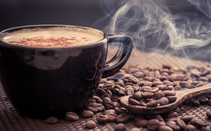 Không nên uống cà phê trước 10 giờ sáng