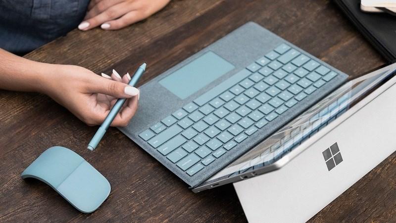 Microsoft sẽ tung ra dòng máy tính bảng giá rẻ cạnh tranh với iPad - ảnh 1