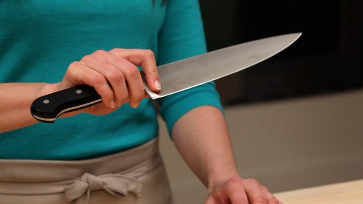 Thiết kế dao vừa tay cầm, lưỡi dao mỏng