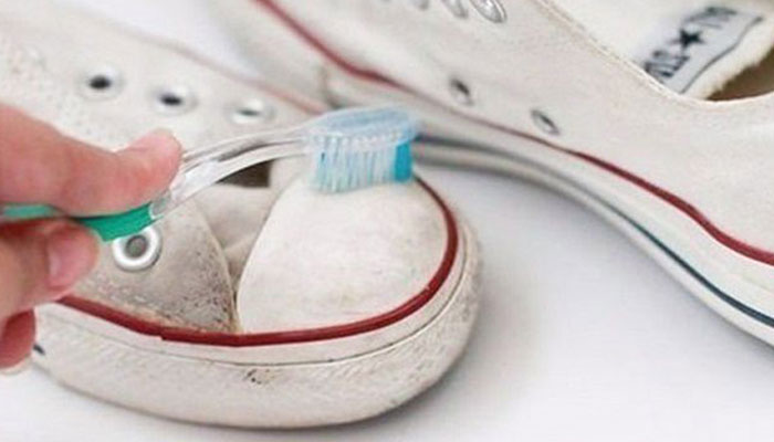 Cách làm sạch từng loại giày khỏi vết bẩn