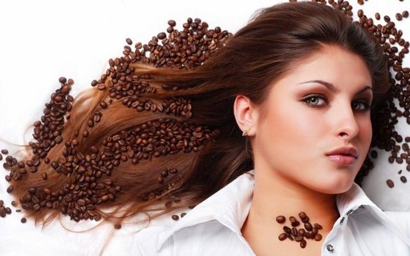 Thành phần chủ yếu của cà phê chính là chất caffein, có tác dụng rất tốt cho da đầu