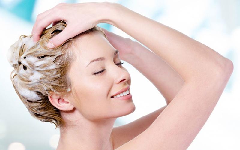 Không dùng dầu xả cho phần tóc mái