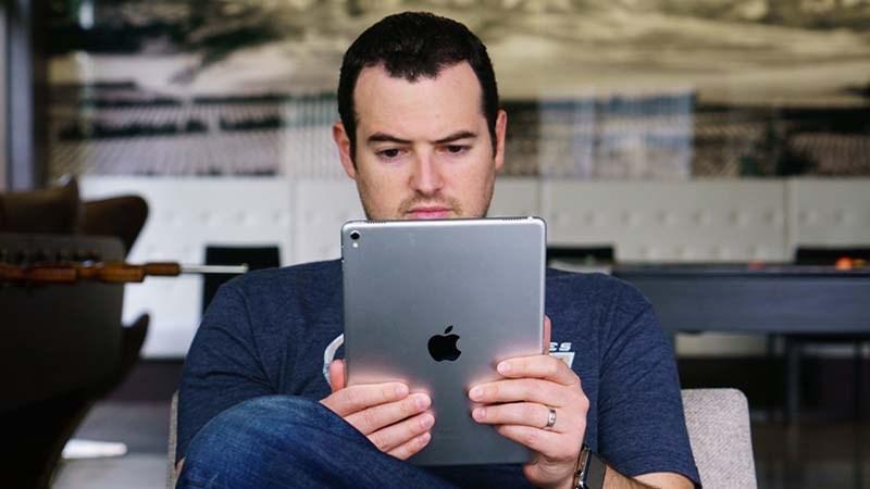 """iPad với thiết kế không viền và """"tai thỏ"""" có là một ý tưởng tuyệt"""
