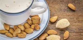 Cách làm sữa hạnh nhân thơm ngon cực đơn giản tại nhà