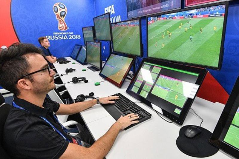 Sức mạnh công nghệ rồi sẽ triệt tiêu cảm xúc trong bóng đá?