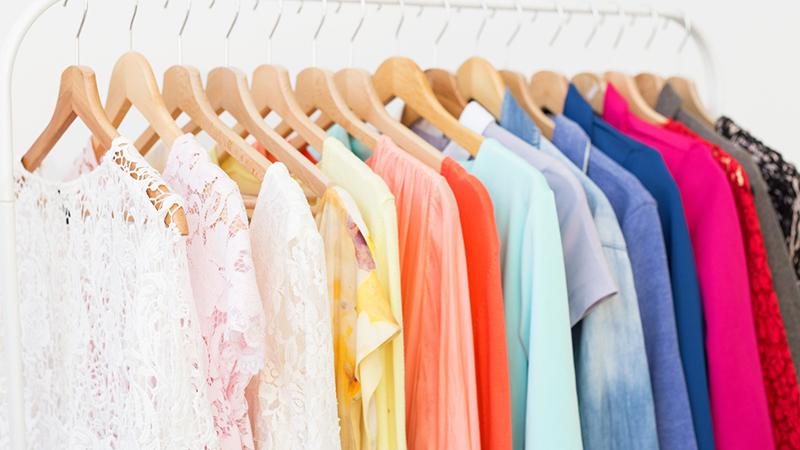 Quần áo cũng là môi trường lý tưởng cho vi khuẩn mụn phát triển