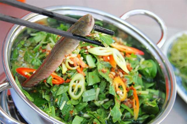 Bước 4 Nấu lẩu cá kèo lá giang Lẩu cá kèo lá giang