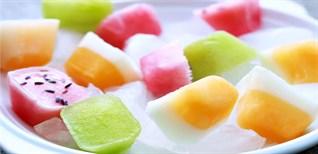 Sáng tạo với khay đá tạo đá viên trái cây màu sắc sinh động