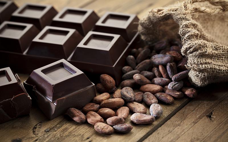 Lợi ích bất ngờ của việc ăn chocolate thường xuyên