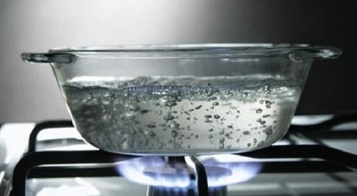 Nước đun sôi có phải là nước sạch?