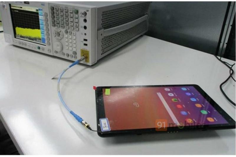 Máy tính bảng Samsung Galaxy Tab A2 lộ ảnh thực tế - ảnh 1