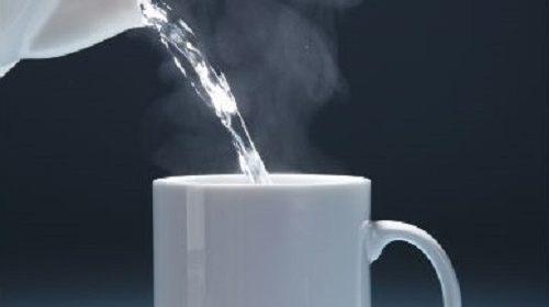 10 lợi ích trên cả tuyệt vời của nước nóng với sức khỏe