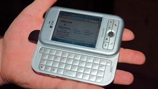"""Cùng ôn lại kỷ niệm với những chiếc điện thoại bàn phím """"tự cổ chí kim"""""""