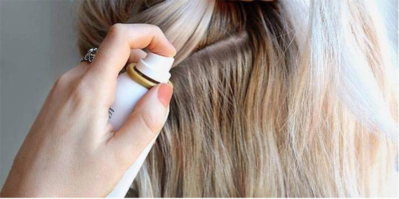 Không sử dụng với tóc khô, không dùng quá 2 lần, dùng trên phần tóc xuất hiện dầu và chỉ sử dụng khi tóc còn khô
