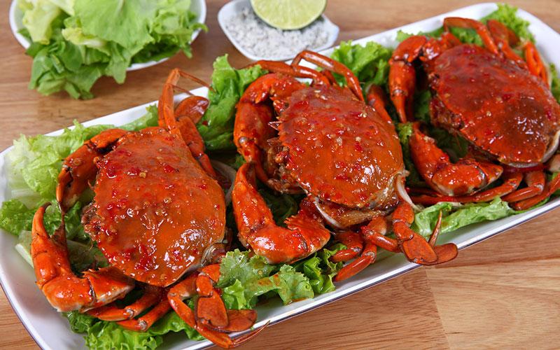Cua biển lựa chọn hàng đầu trong danh sách những thực phẩm giàu canxi cho mẹ bầu.