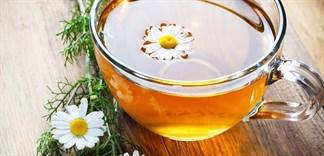 Cách làm trà hoa cúc mật ong giúp giảm stress hiệu quả