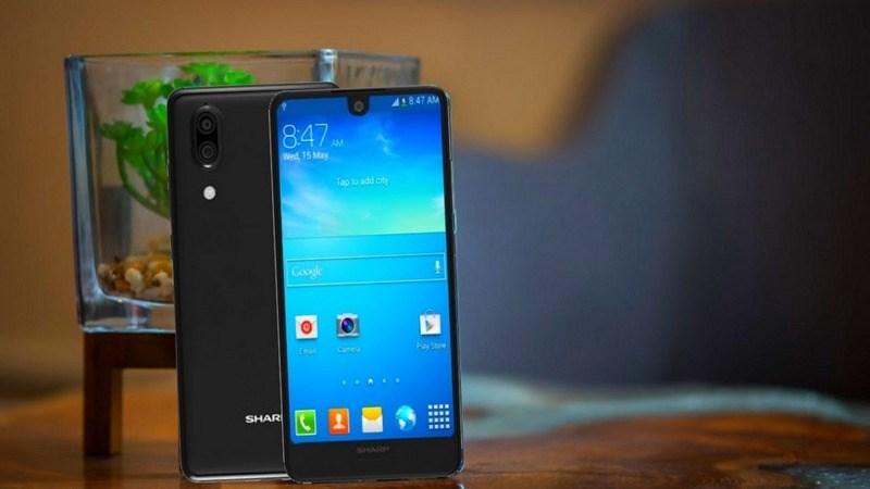Sharp ra mắt Aquos C10 và B10: Smartphone tầm trung với máy ảnh kép