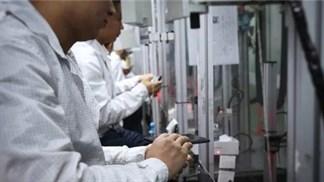 OPPO Find X được sản xuất trong nhà máy như thế nào?