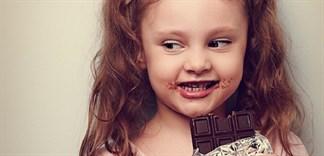 Trẻ em bao nhiêu tuổi có thể ăn được socola?