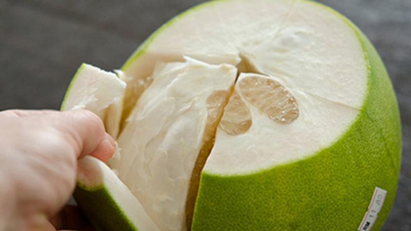 Ăn bưởi giúp da dẻ mịn màng và tươi trẻ
