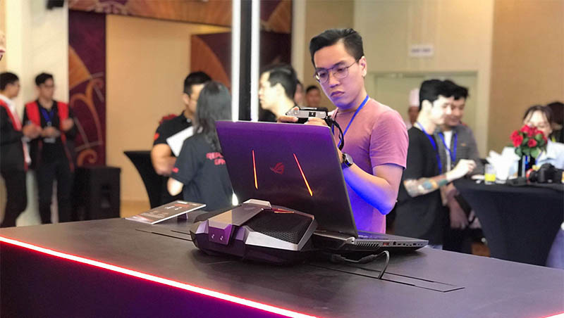 asus ra mat laptop gaming 8 800x452 - Asus ra mắt laptop gaming ROG Strix Scar II và Strix Hero II