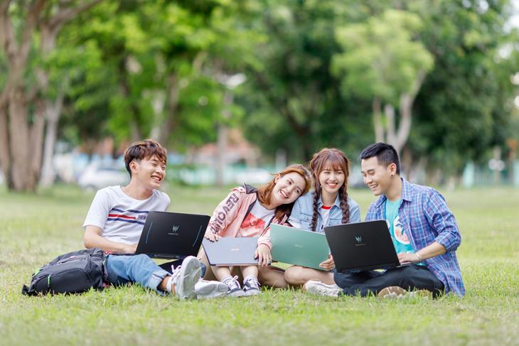 Laptop phục vụ nhu cầu học tập của các em học sinh cấp 3