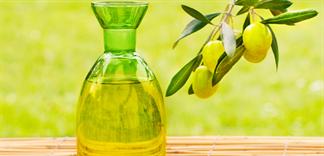 5 công thức gia truyền trị nám da bằng dầu oliu