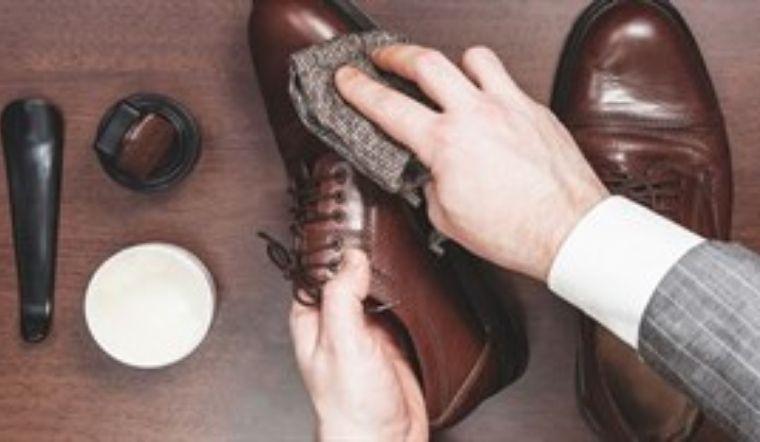 Phân biệt sự khác nhau của xi đánh giày dạng kem và dạng sáp