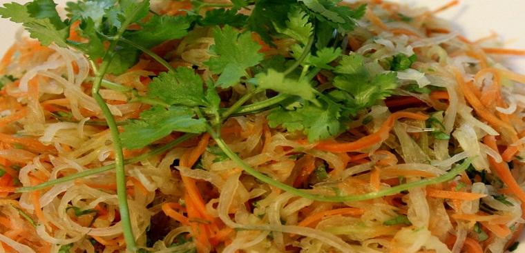 Hướng dẫn chi tiết cách làm món nộm su hào cà rốt chay chua giòn thanh mát
